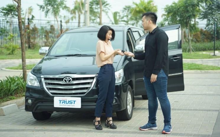 Sebagai puncak promosi, Toyota Trust juga mengadakan Flash Sale pada 9 September 2020. Tersedia dua mobil Toyota bekas yang mendapatkan harga bombastis.  - AUTO2000