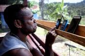 PSBB Jakarta, Pendapatan Operator Seluler Bisa Tertekan