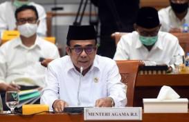 Tidak Ikut-ikutan Sindir Anies, Menag Justru Minta Umat Patuhi Aturan Gubernur