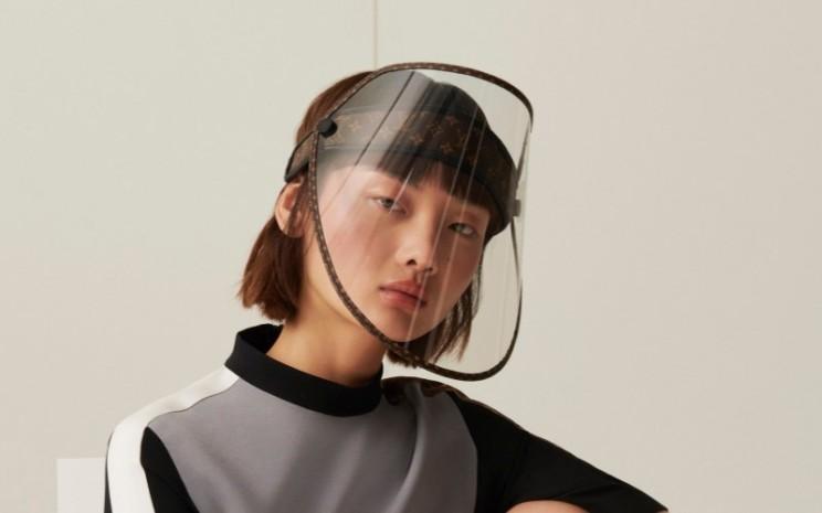 Face shield buatan Louis Vuitton - Louis Vuitton