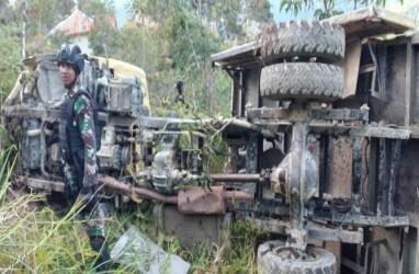 Dua Helikopter Evakuasi TNI Korban Kecelakaan di Intan Jaya