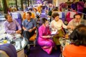 Kafe Ini Tawarkan Anda Layanan Restoran Layaknya di Dalam Pesawat