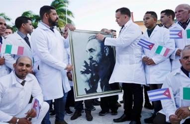 Kuba Kirim 'Pasukan Berjubah Putih' ke 40 Negara Selama Pandemi Covid-19
