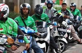 Geliat Gojek & Grab Manfaatkan Celah PSBB di Jakarta