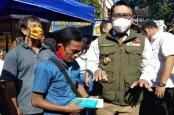 Viralkan Odading Mang Oleh, Ade Londok Diberi Ridwan Kamil Hadiah Ponsel
