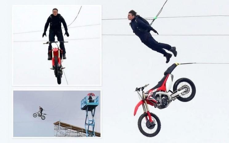 Tom Cruise saat pengambilan gambar untuk film Mission Impossible 7.  - Repro