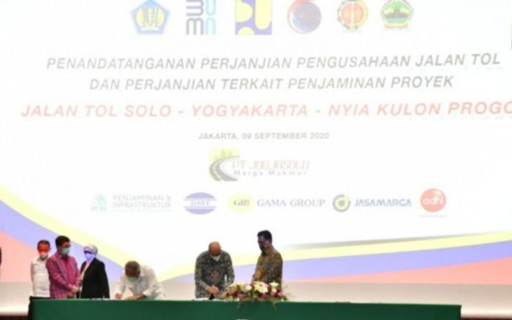 Penandatanganan perjanjian konsesi dan penjaminan proyek jalan tol Solo-Yogyakarta-NYIA Kulon Progo di Jakarta, 9/9/2020. - Badan Pengatur Jalan Tol