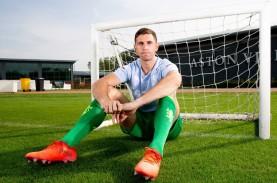 10 Tahun di Arsenal, Kiper Emiliano Martinez Kini…