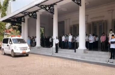 Kehilangan Mendalam DKI Jakarta Kala Melepaskan Jenazah Saefullah