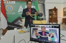 Gubernur Jabar Serahkan Bantuan Puluhan Ribu Bibit Ternak
