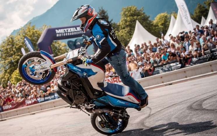 BMW Motorrad Days 2019. Selama hampir dua dekade, mereka telah berkontribusi menjadikan BMW Motorrad Days sebagai acara unik global dalam dunia sepeda motor.  - BMW Motorrad