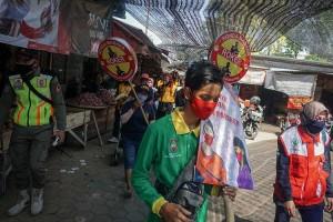 Ronda Masker di Pasar Tradisional Untuk Ingatkan Warga Tentang Prokotol Kesehatan