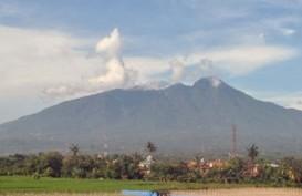 Dentuman di Jakarta Terkait Petir Gunung Salak? Ini Catatan BMKG