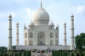 India Buka Kembali Kunjungan Turis ke Taj Mahal Hari…