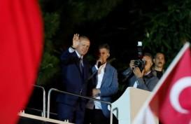 Saling 'Serang', Ada Apa dengan Erdogan dan Macron ?