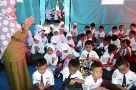 Jumlah Sekolah dan Madrasah yang Direhabilitasi Berkurang