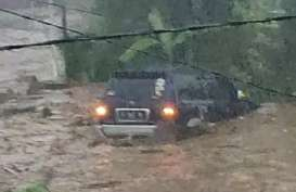 Banjir Sukabumi : 12 Rumah & 2 Orang Hanyut, 85 Hunian Terendam