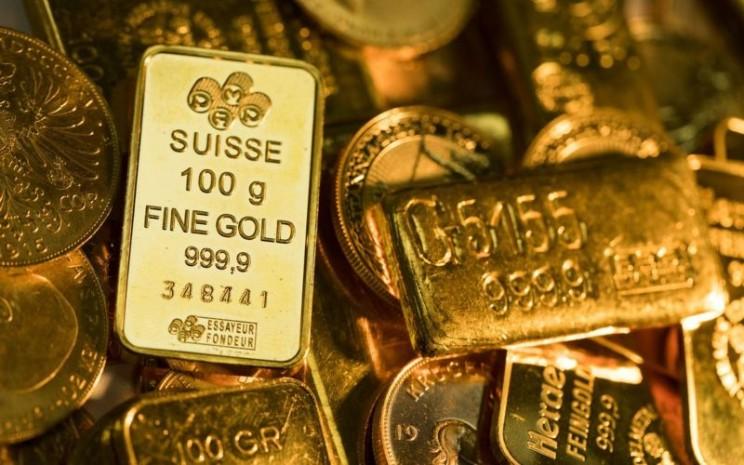 Aneka emas batangan beragam ukuran dan bentuk. Harga emas dunia sempat anjlok ke bawah US1.900 per troy ounce akibat penguatan dolar AS. - Bloomberg