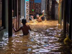 Sungai Ciliwung Meluap, Sejumlah Titik di Ibu Kota Terendam Banjir