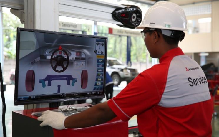 Spooring adalah proses untuk meluruskan kembali kedudukan empat roda mobil seperti semula, sedangkan balancing adalah proses menyeimbangkan putaran roda mobil.  - MMKSi