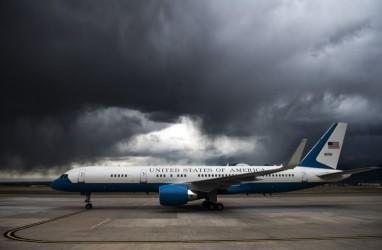 Tabrak Burung, Pesawat Wapres AS Mike Pence Lakukan Pendaratan Darurat