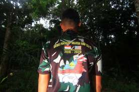 Foto-Foto Rutinitas Para Penjaga Perbatasan Indonesia-Malaysia…