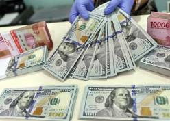 Rupiah Makin Melemah, Bank Nasional Banderol Dolar Rp15.000