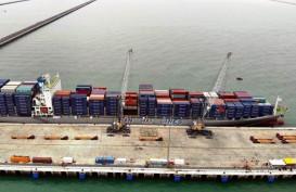 Di Tengah Pandemi, Arus Barang di Pelabuhan Kuala Tanjung Melesat