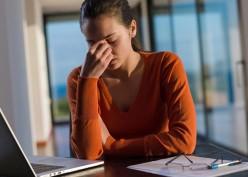 5 Cara Atasi Ketegangan Mata Saat WFH