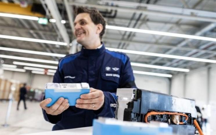 Rekanan yang akan mengerjakan produksi modul baterai masa depan di Pabrik BMW Group Leipzig (25/09/2020).  - BMW