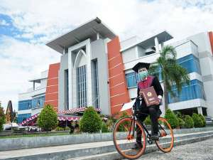 Wisuda Universitas Negeri Gorontalo di Gelar Secara Drive Thru
