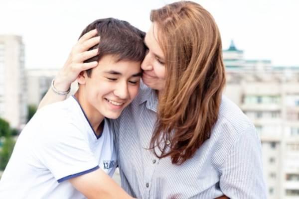 Ilustrasi ibu dan anak remaja - istimewa