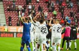 Hajar Dortmund, Augsburg Pimpin Klasemen Sementara Bundesliga