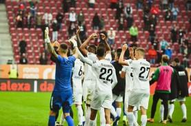 Hajar Dortmund, Augsburg Pimpin Klasemen Sementara…