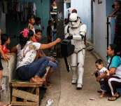 Super Hero di Depok Ngamen Keliling Kampung Demi Mendapatkan Rupiah