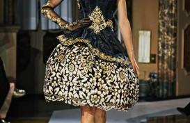 Kreasi Batik Indonesia Bertemu dengan Gaya Eropa di Milan Fashion Week