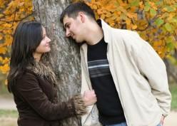 13 Cara Membuat Pasangan Anda Jatuh Cinta Lagi