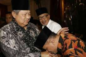 Polisi Bubarkan Acara KAMI di Surabaya saat Gatot…