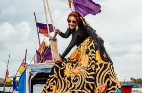 Gaya Elegan Susi Pudjiastuti dengan Koleksi Batik…