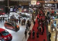 Pengunjung memadati pameran Telkomsel Indonesia International Motor Show (IIMS) 2019 di Jakarta, Kamis (25/4/2019)./Bisnis-Felix Jody Kinarwan