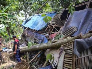 Ratusan Rumah di Tangerang Rusak Diterjang Angin Puting Beliung