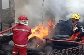 Garasi Bus Cendana di Madiun Terbakar