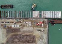 Foto udara proyek pembangunan Pelabuhan Patimban di Kabupaten Subang, Jawa Barat, Selasa (23/6/2020). Bisnis/Rachman