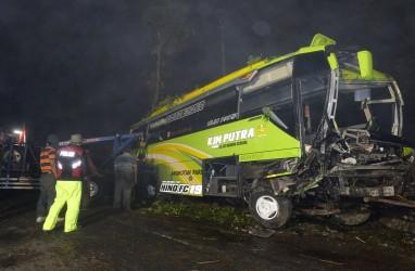 Bus Rombongan Wisatawan Jepara Kecelakaan di Wonosobo, Empat Meninggal, Belasan Luka-luka
