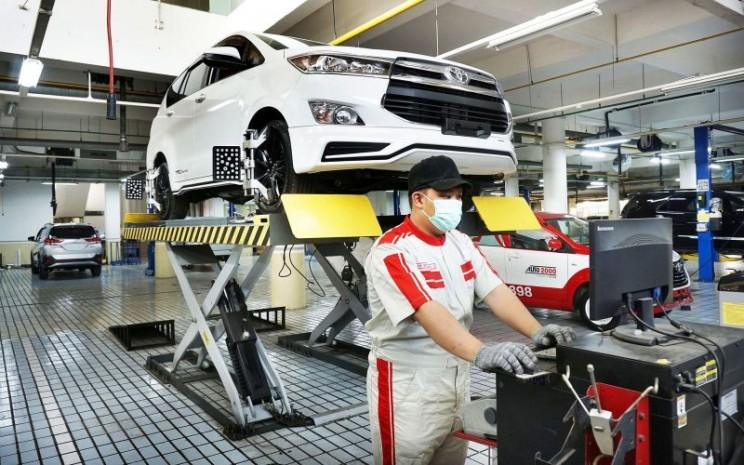 Pada kendaraan Toyota, proses uji emisi merupakan bagian dari prosedur standar servis berkala di bengkel Auto2000.  - Auto2000