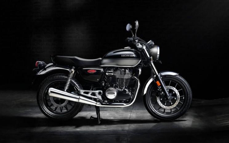 Honda sebelumnya telah merilis H'ness CB 350 dengan harga mulai Rs1,90 lakhs atau Rp38 jutaan.  - Honda Bigwing