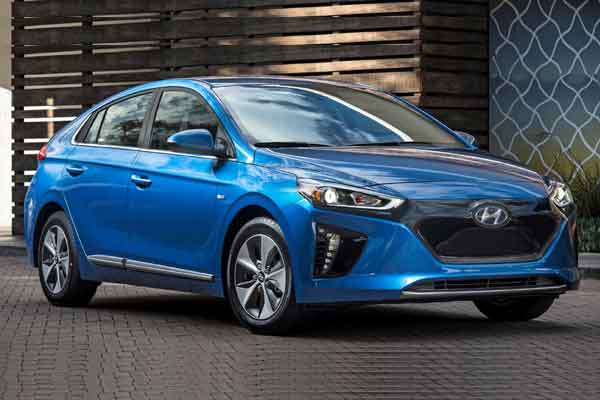 Hyundai Ioniq terdaftar punya nilai jual Rp454 juta.  - Hyundai