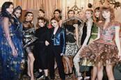 MILAN FASHION WEEK 2020 : Rona Akulturasi Batik di Italia
