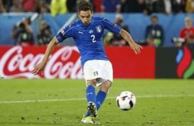Bek Juventus De Sciglio Perkuat Lini Belakang Lyon