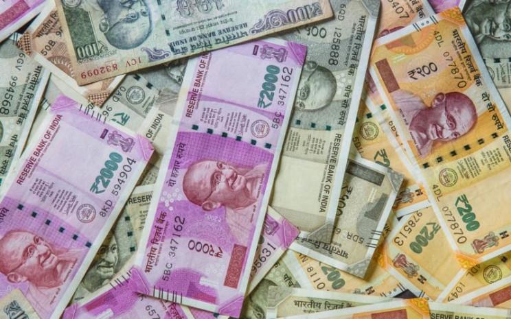 Mata uang rupee India. Istimewa